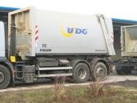 abroller-mit-haenger-und-containern-detail-jpg156AAA25-6C4F-AE86-B283-3C09498F744F.jpg